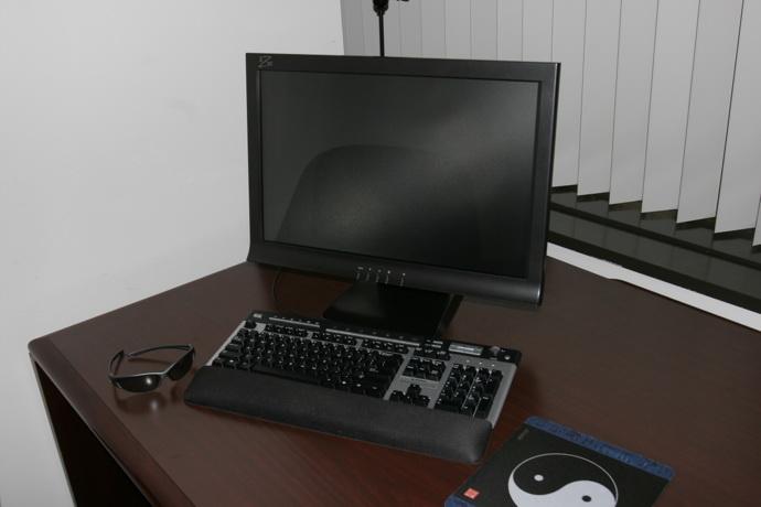 22-inch-iz3d-s3d-setup